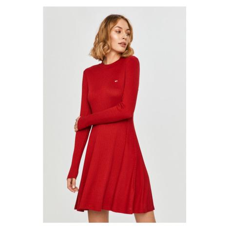 Tommy Hilfiger Dámské svetrové vínové šaty Tommy Jeans FITFLARE LONGSLEEVE DRESS