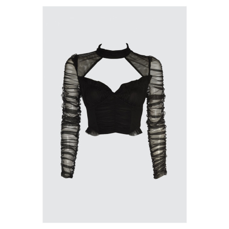 Trendyol Tulle Blouse with Black Collar Detail