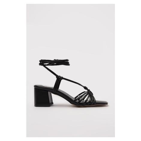 Trendyol Black Tied Women's Classic Heeled Shoes