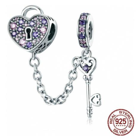 Originální stříbrný přívěsek Klíč a srdce zámek s fialovými kamínky