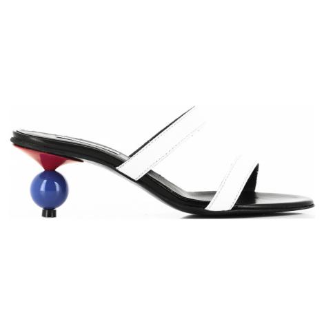Lodičky Karl Lagerfeld Verona Two-Strap Slip On - Bílá