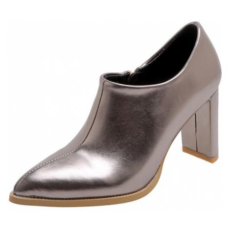 Černé boty na podpatku stříbrné kožené se špičatou špičkou