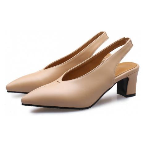 Elegantní kožené boty sling back s páskem za patu ostrá špička