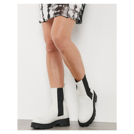 Vagabond Cosmo 2.0 flat ankle calf boot in white
