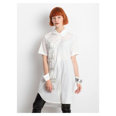 Dlouhé tričko s bílou nášivkou FPrice