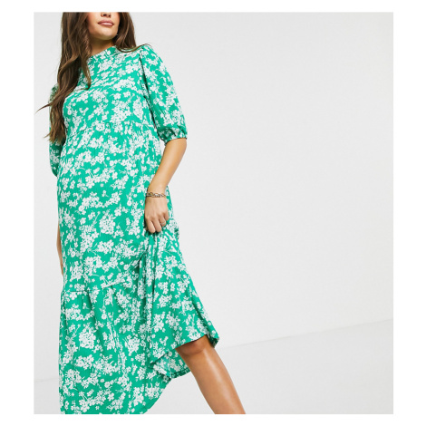 New Look Maternity crinkle tiered midi dress in green pattern