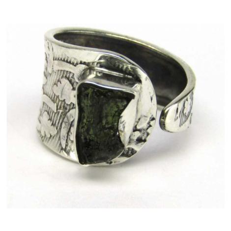 AutorskeSperky.com - Stříbrný prsten s vltavínem - S5370