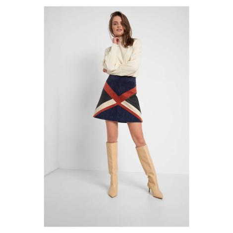 Áčková semišová sukně Orsay