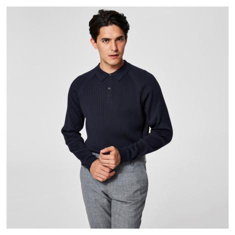 Tmavě modrý polo svetr