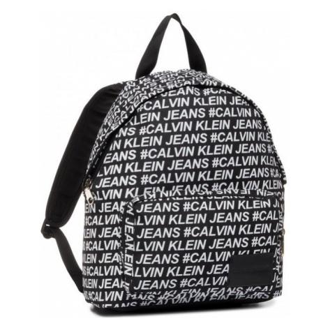 Calvin Klein Calvin Klein dámský černý batoh s nápisy ROUND BACKPACK