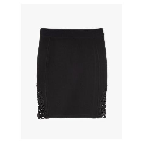 GATE Přiléhavá mini sukně s krajkou