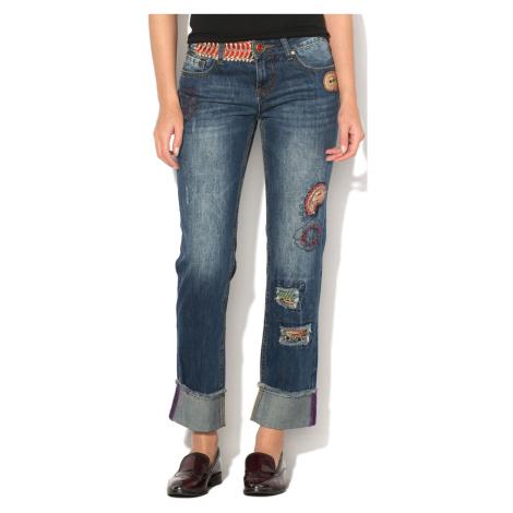 Kalhoty s flitrovým zdobením Desigual