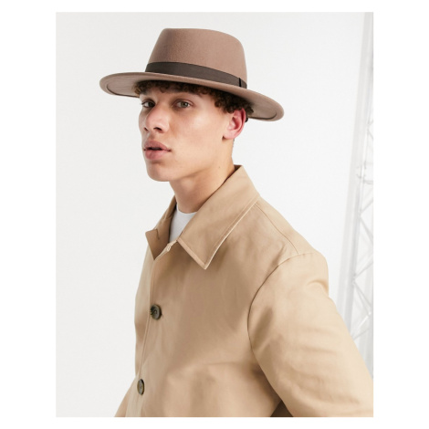 ASOS DESIGN wide brim pork pie hat in camel with band and size adjuster-Brown