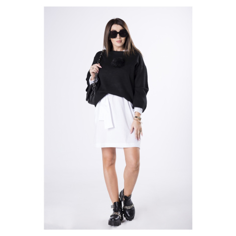 sweater with wide sleeves