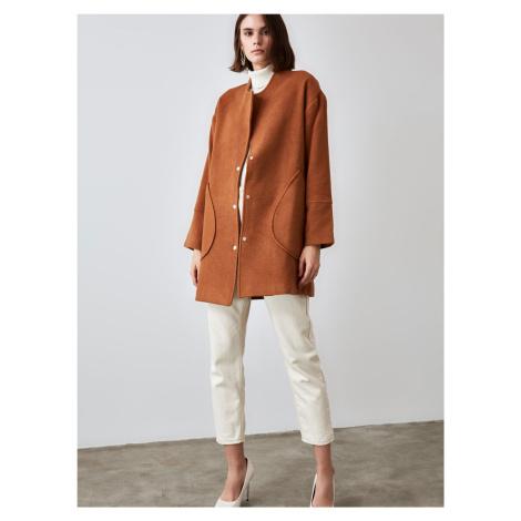 Trendyol hnědý lehký kabát