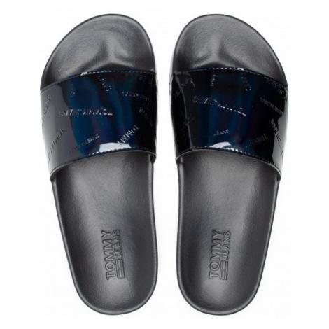Tommy Hilfiger Tommy Jeans dámské černé lesklé pantofle IRIDESCENT