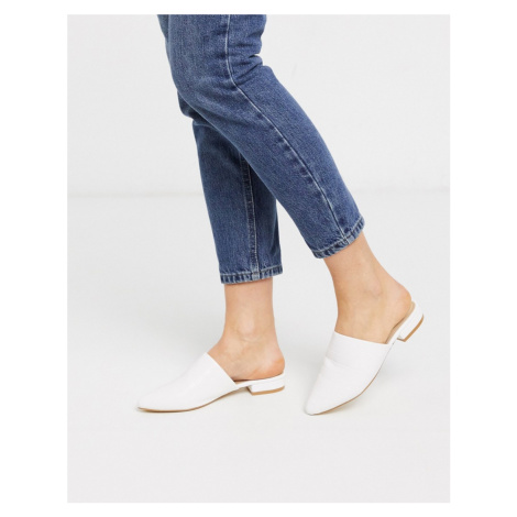 Truffle Collection flat mules-White