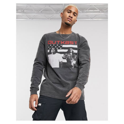 Pull&Bear Outkast long sleeve top with sleeve and chest print in black Pull & Bear