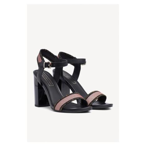 Tommy Hilfiger sandály na podpatku - monrovia