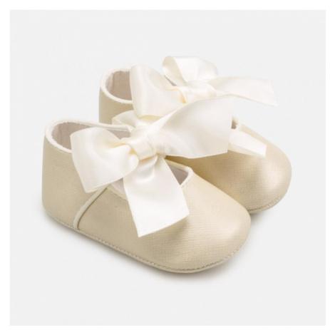 Kojenecké boty Mayoral 9284 | bronzová