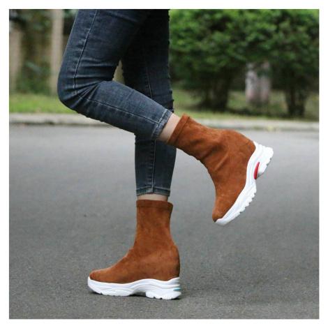 Semišové boty na platformě textilní kozačky na vysoké podrážce