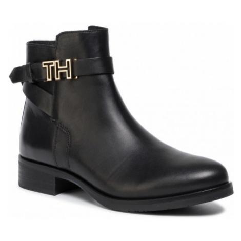 Tommy Hilfiger Tommy Hilfiger dámské černé polokozačky Hardware Leather Flat Bootie