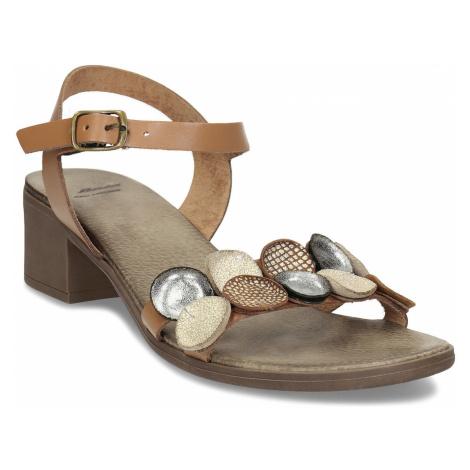 Světle hnědé dámské kožené sandály Baťa