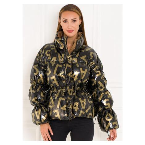 Dámská krátká oversize metalická bunda s potiskem - zlatá