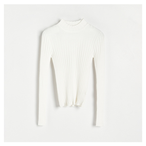 Reserved - Přiléhavý svetr se stojáčkem - Krémová
