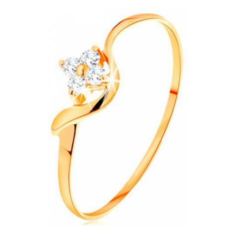 Prsten ze žlutého 14K zlata - kvítek z čirých diamantů, zvlněné rameno Šperky eshop