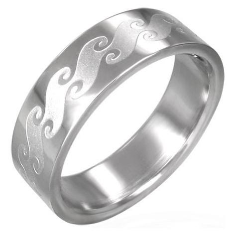 Prsten z chirurgické oceli s matnými vlnami Šperky eshop