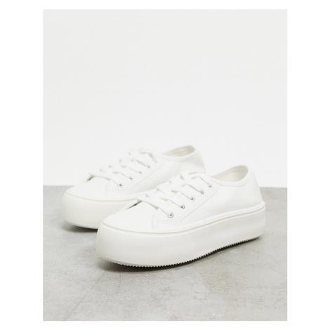 New Look flatform trainer in white
