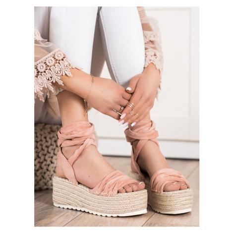 Jedinečné dámské růžové sandály bez podpatku
