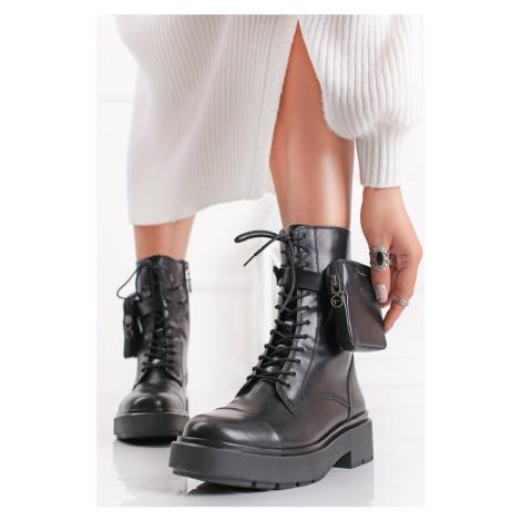 Černé kotníkové boty s kapsičkou 1-25292 Tamaris