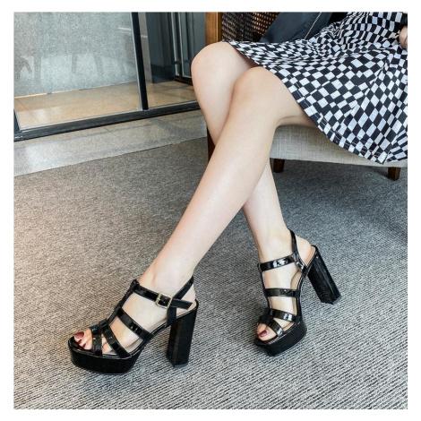 Módní černé kožené sandály bílé gladiátorské boty na podpatku