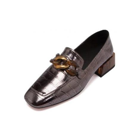 Lesklé mokasíny z pravé kůže lakované loafers s plastovým řetězem
