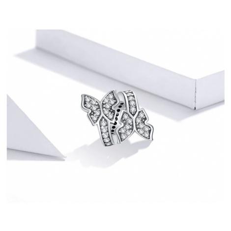 Jemný jární přívěsek třpytivá spirála s motýly na náhrdelník