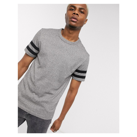 ASOS DESIGN t-shirt with contrast sleeve stripe in grey heavyweight twisted jersey