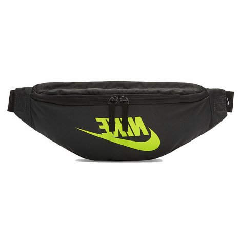 Stylová ledvinka Nike