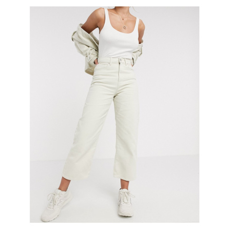 Vero Moda cropped jeans in ecru-White
