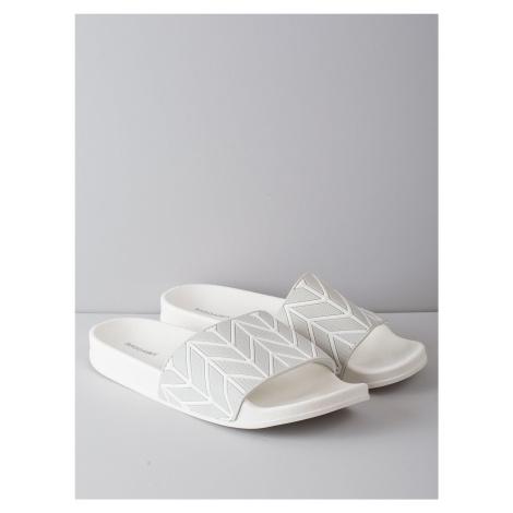 Šedé a bílé pantofle FPrice