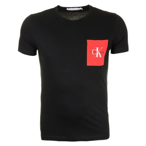 Pánské černé tričko s barevnou náprsní kapsou Calvin Klein