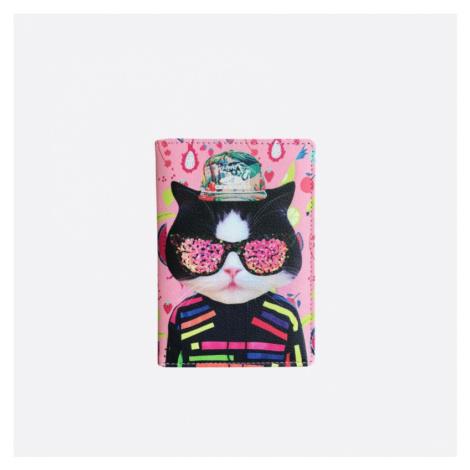 Růžový obal na cestovní pas s kočkou