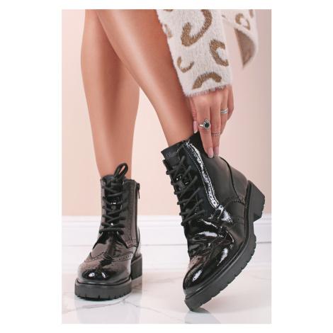 Černé lakované šněrovací kotníkové boty 5-25247 s.Oliver