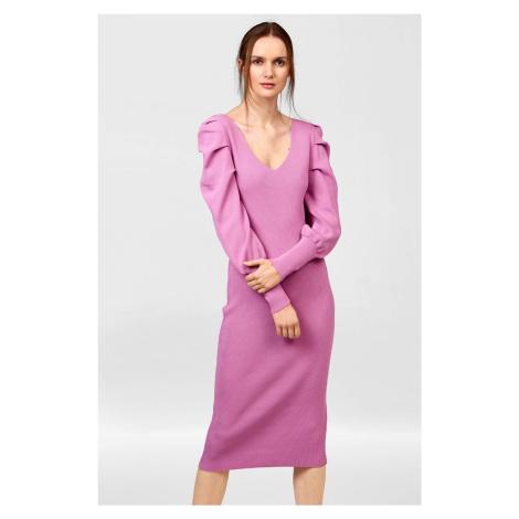 Přiléhavé midi šaty z úpletu Orsay