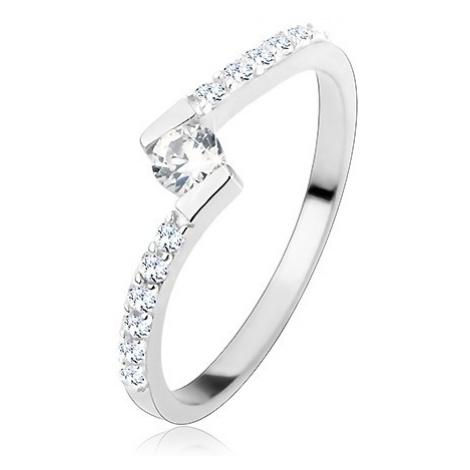 Stříbrný prsten 925, kulatý čirý zirkon mezi zahnutými konci ramen Šperky eshop