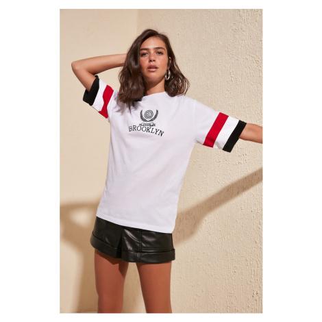 Dámské tričko Trendyol Oversize