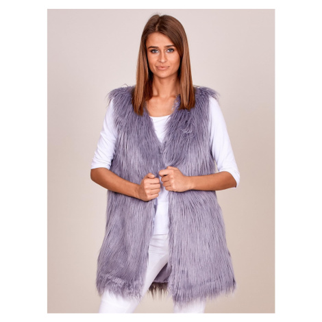 Women´s gray vest with longer hair