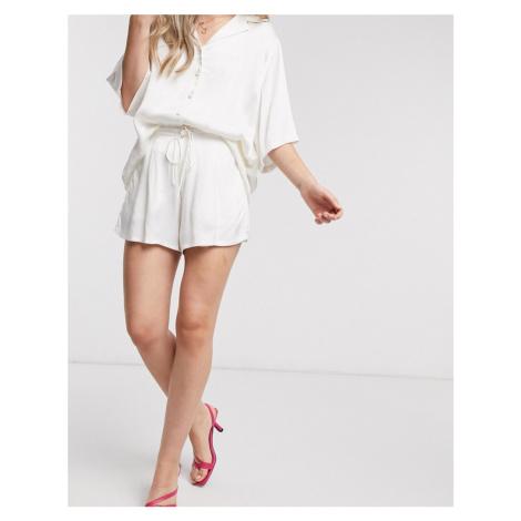 Zulu & Zephyr beach satin shorts in ivory-White