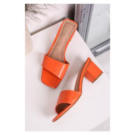Oranžové pantofle na hrubém podpatku Avery Givana